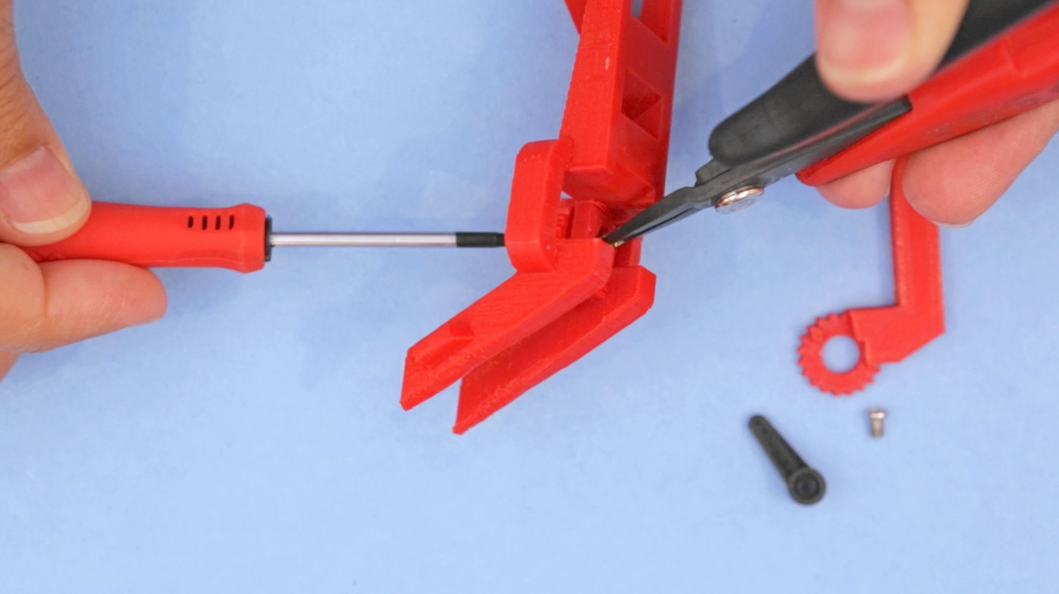 3d_printing_claw-left-screw-leg.jpg