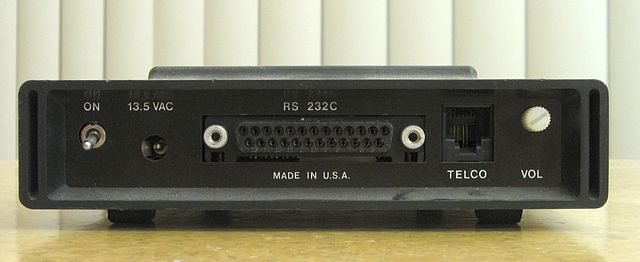 components_Hayes_Smartmodem_back.jpg
