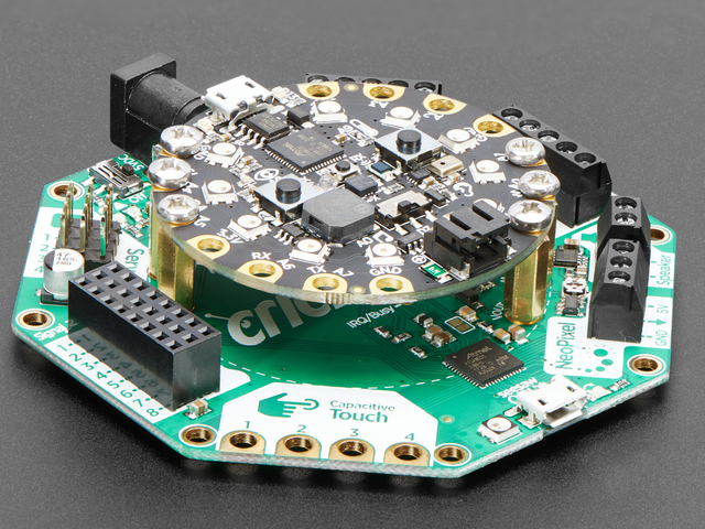 circuit_playground_3093_iso_CP_ORIG_2018_05.jpg
