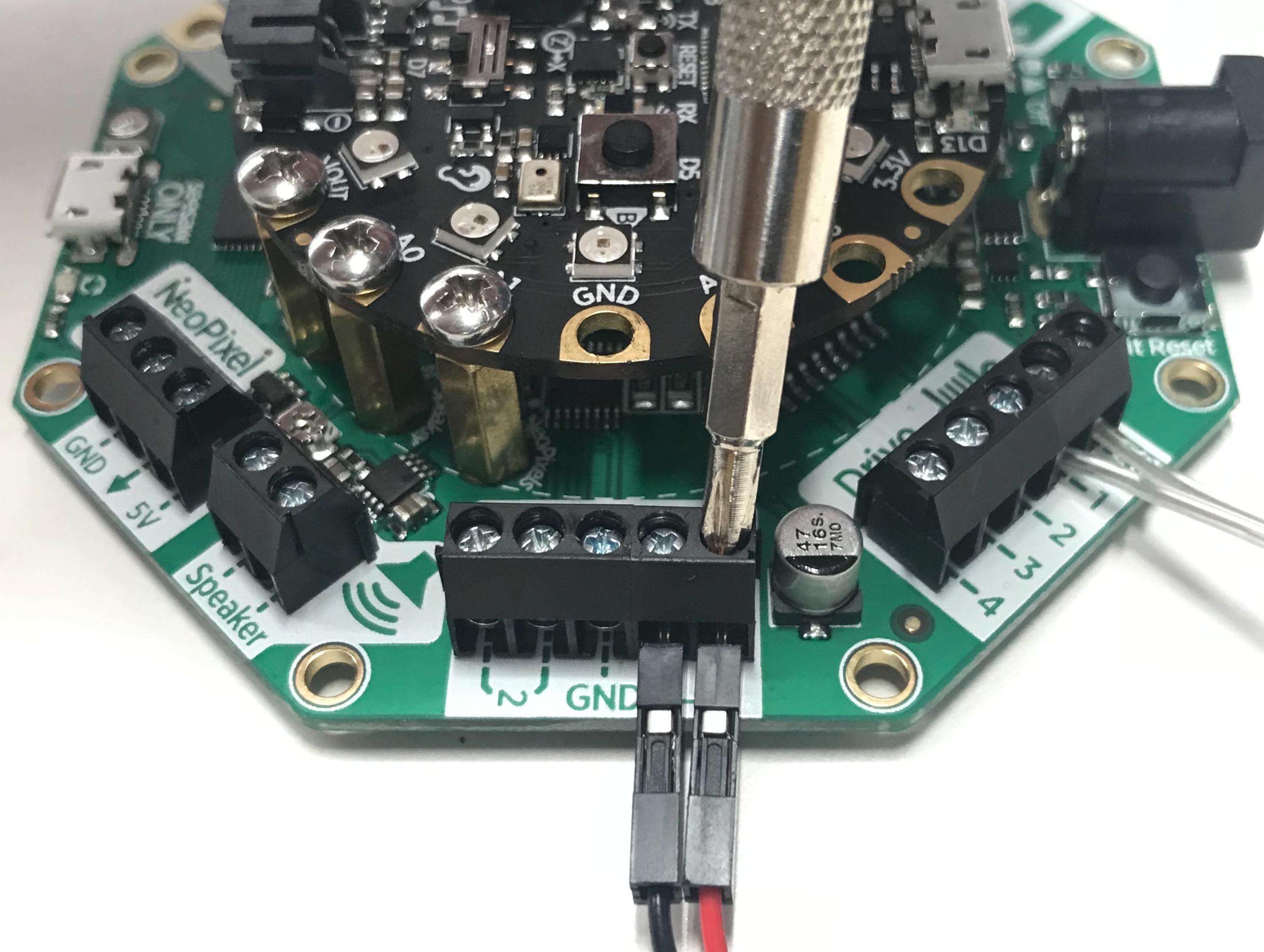 circuitpython_Connect_DC_motor.jpg