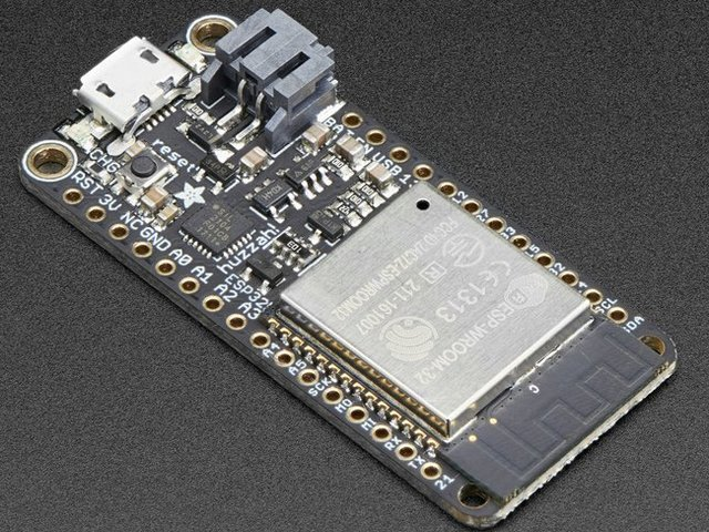 adafruit_io_feather-huzzah-esp32.jpg