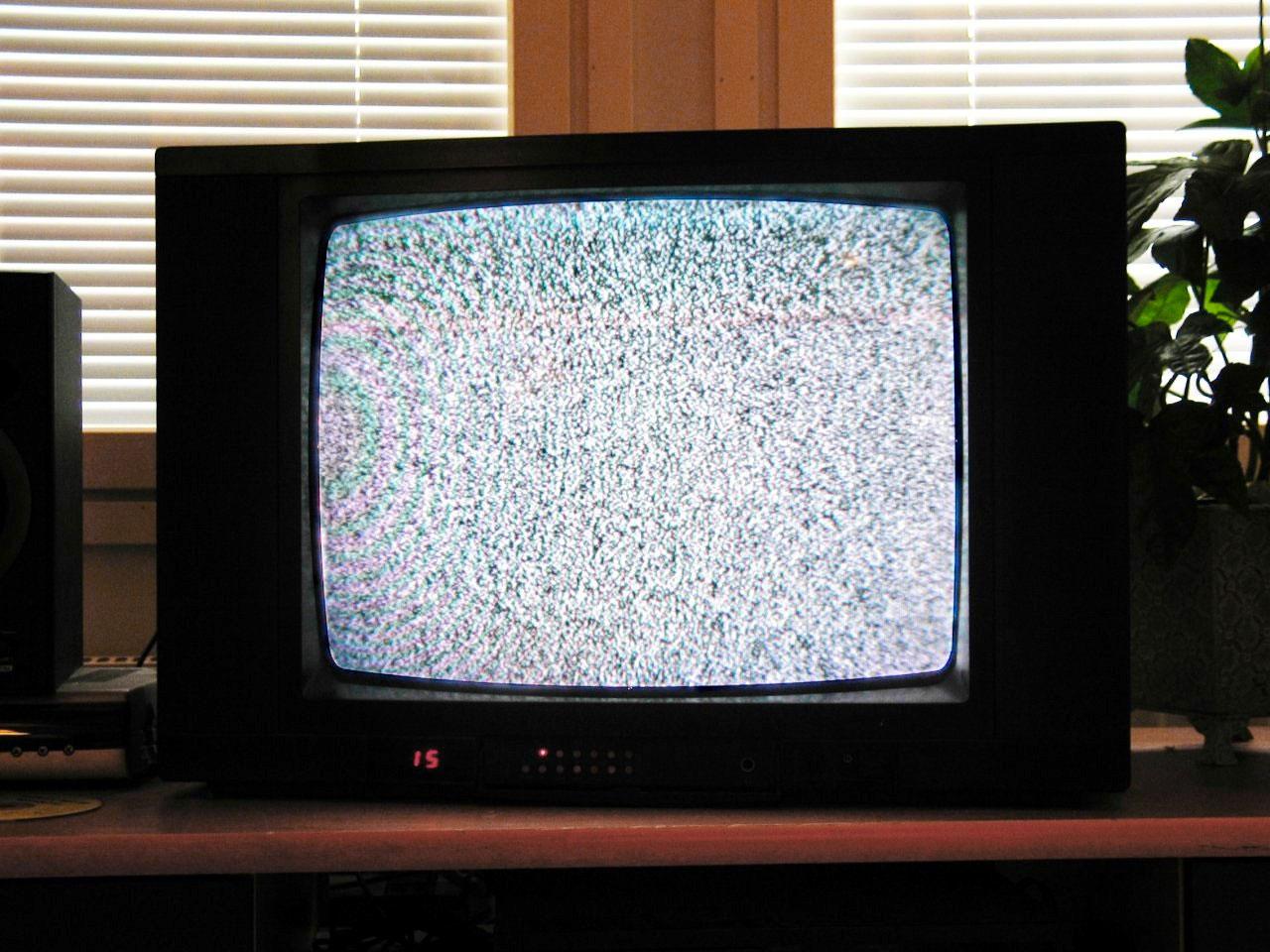 circuit_playground_noise-on-tv.jpg