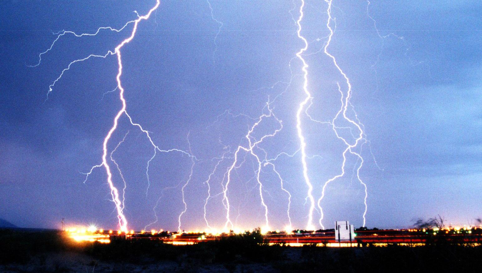 circuit_playground_lightning.jpg