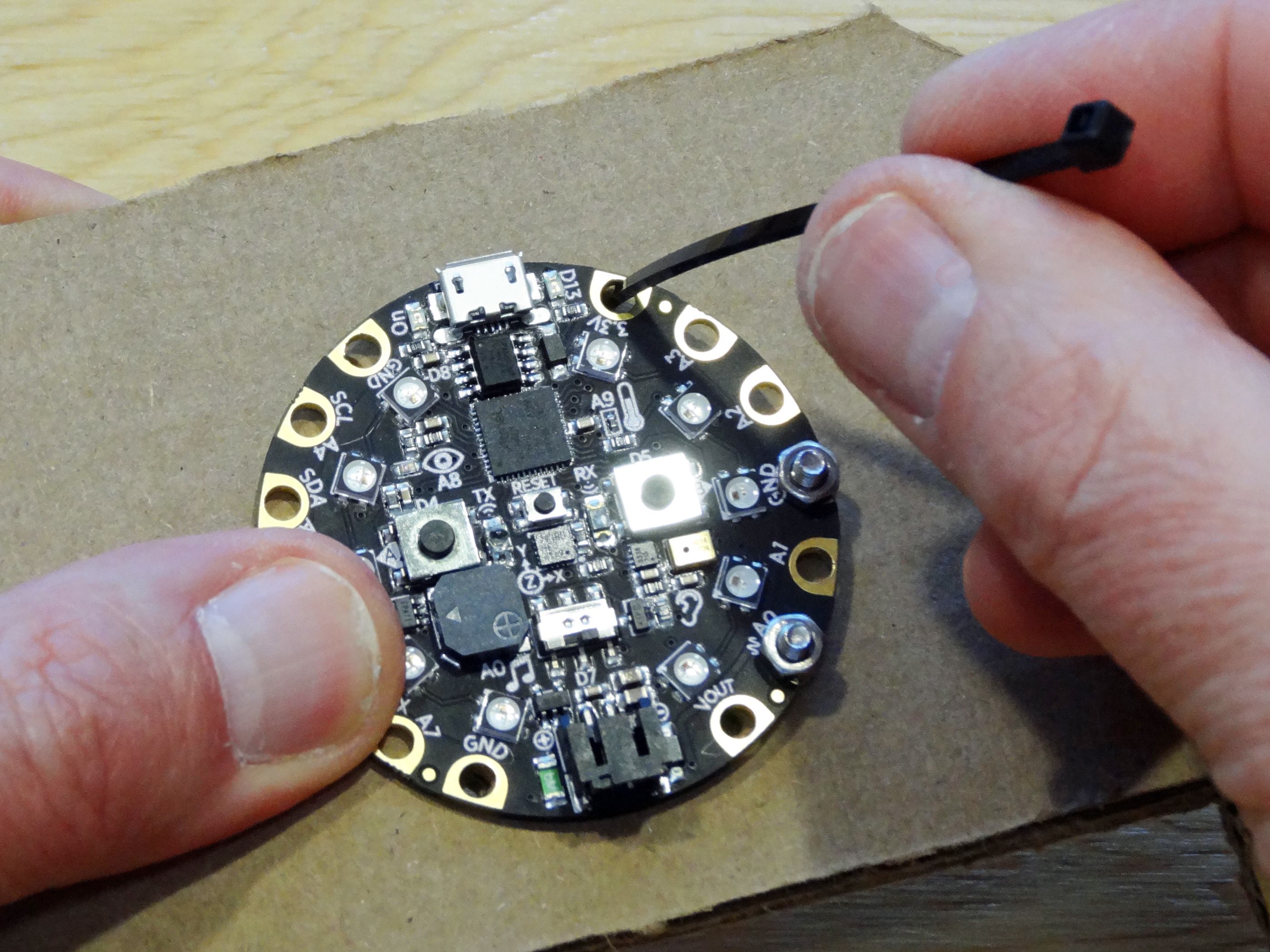 adafruit_products_attach_06.jpg