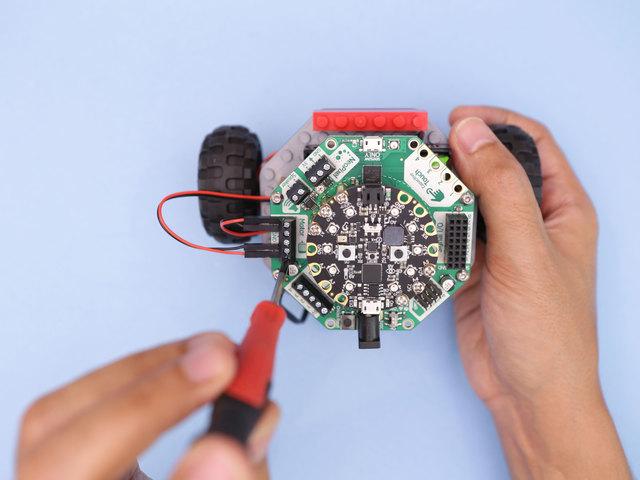 3d_printing_motor-wires-screw.jpg