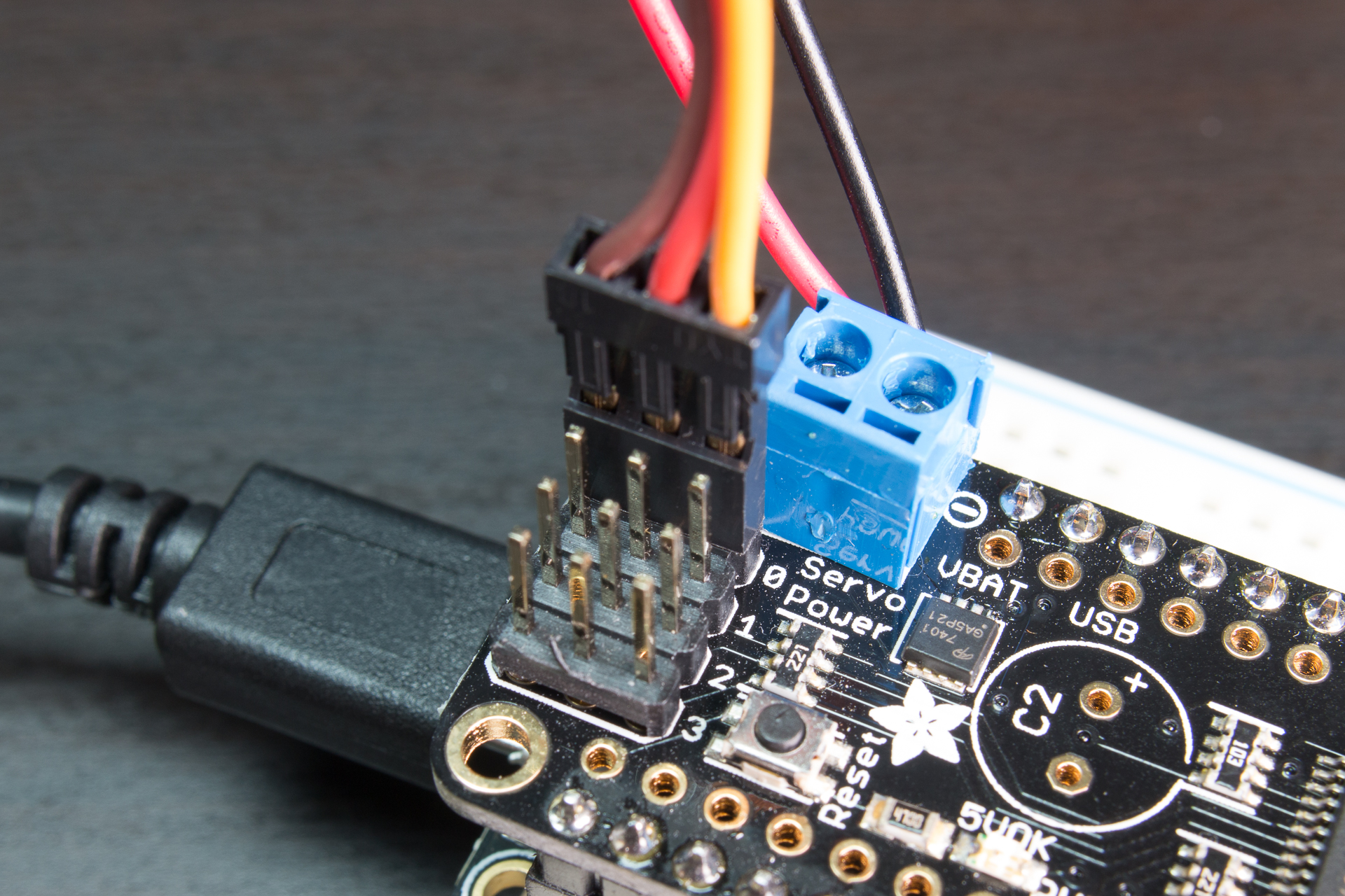 adafruit_products_PCA9685_servo.jpg