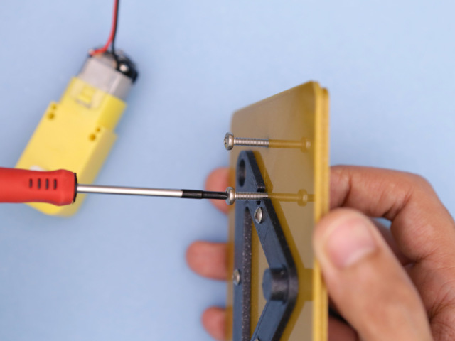 3d_printing_motor-install-screws.jpg