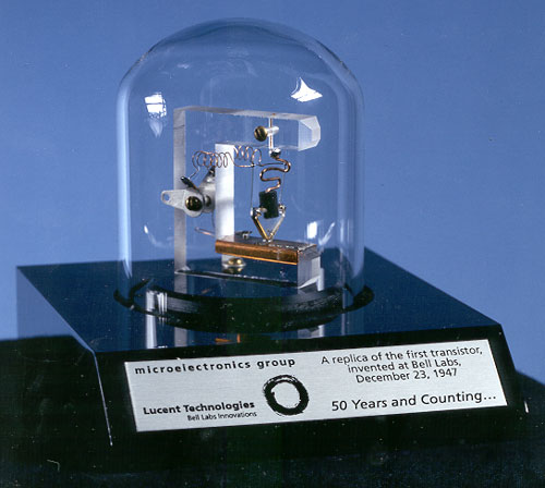 components_Replica-of-first-transistor.jpg