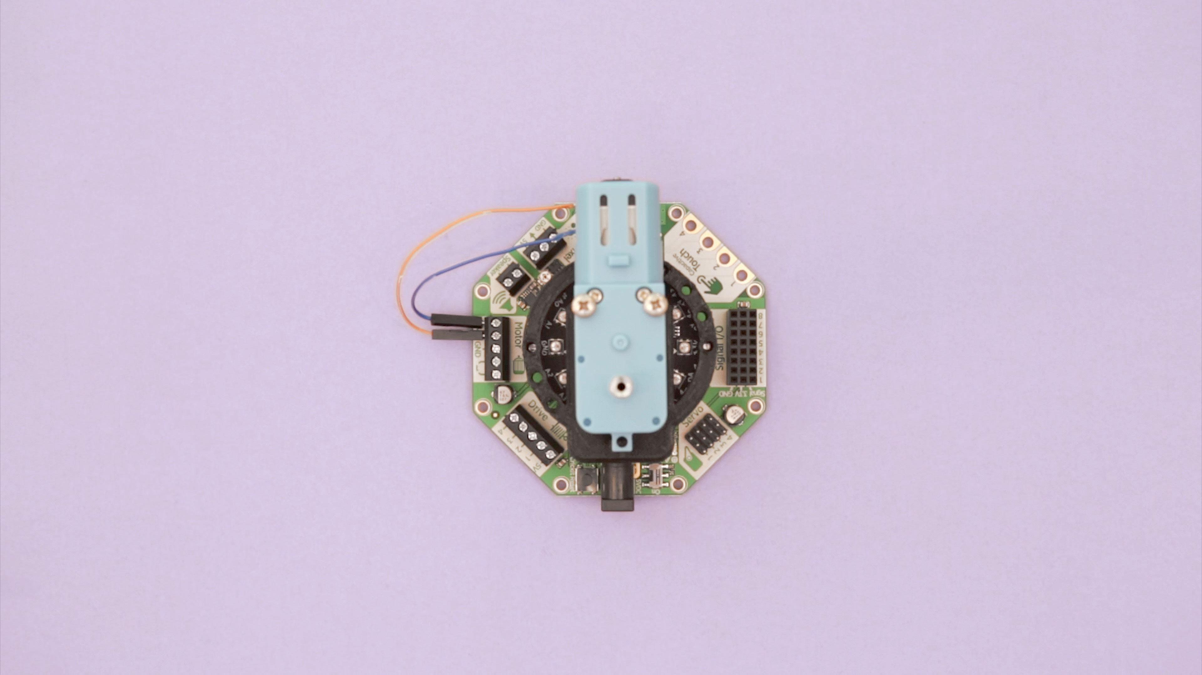 makecode_crickit-motor-mounted.jpg