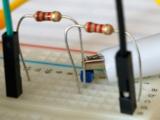 sensors_hcsr04-echo-resistorvoltageadjust-700.jpg