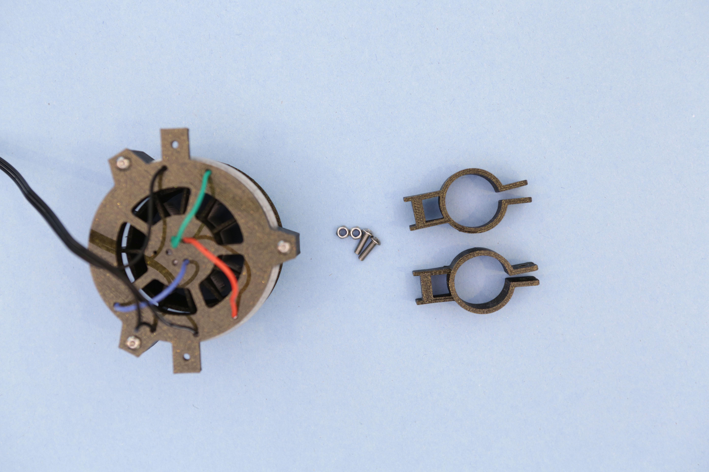 leds_bracket-screws.jpg