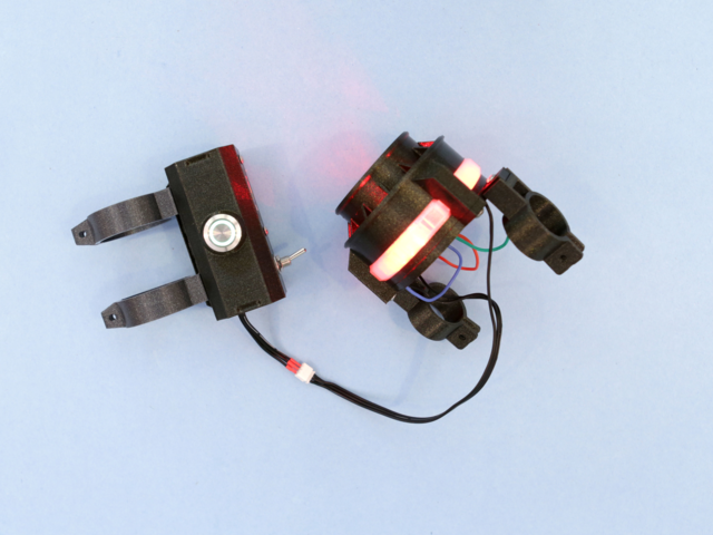 leds_box-clamps-test.jpg
