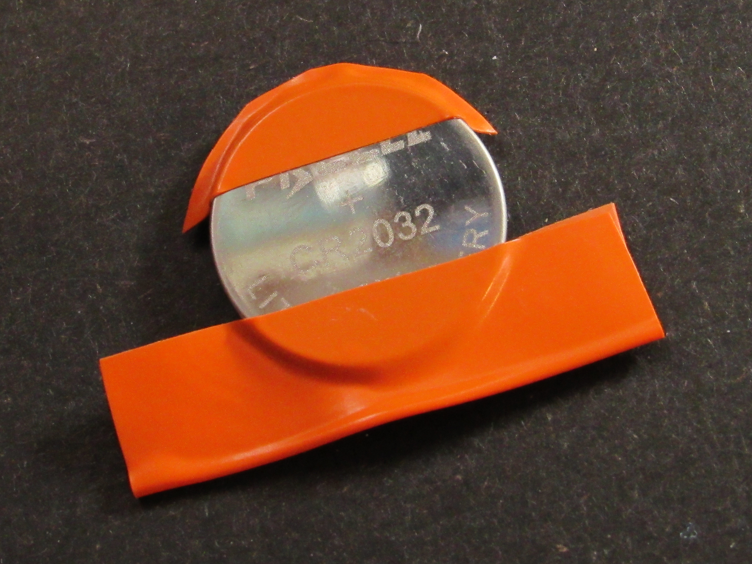 leds_13a-Taped_Battery.jpg