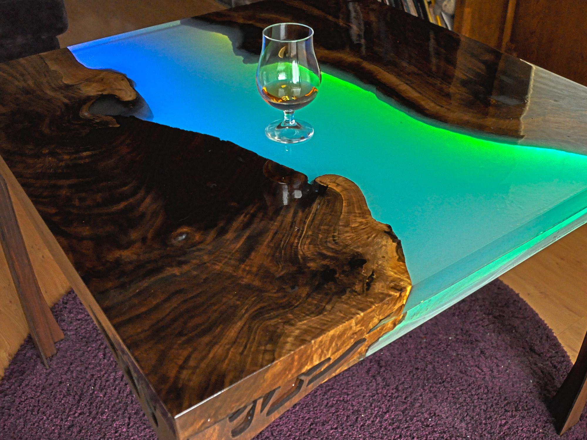 led_strips_HDR_LED_Table_08_(glass).jpg