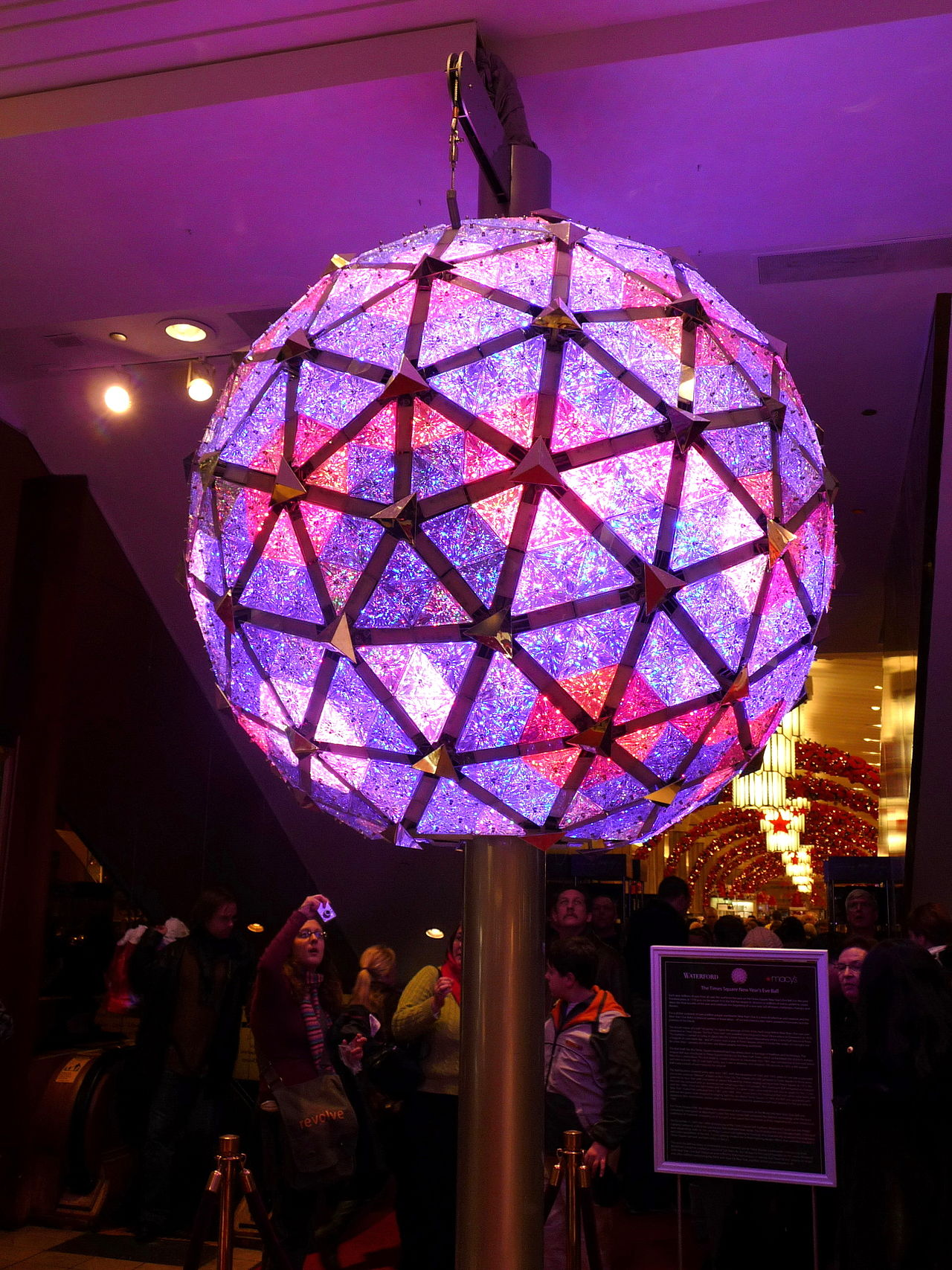 force___flex_Times_Square_New_Year's_Eve_Ball_2009.jpg