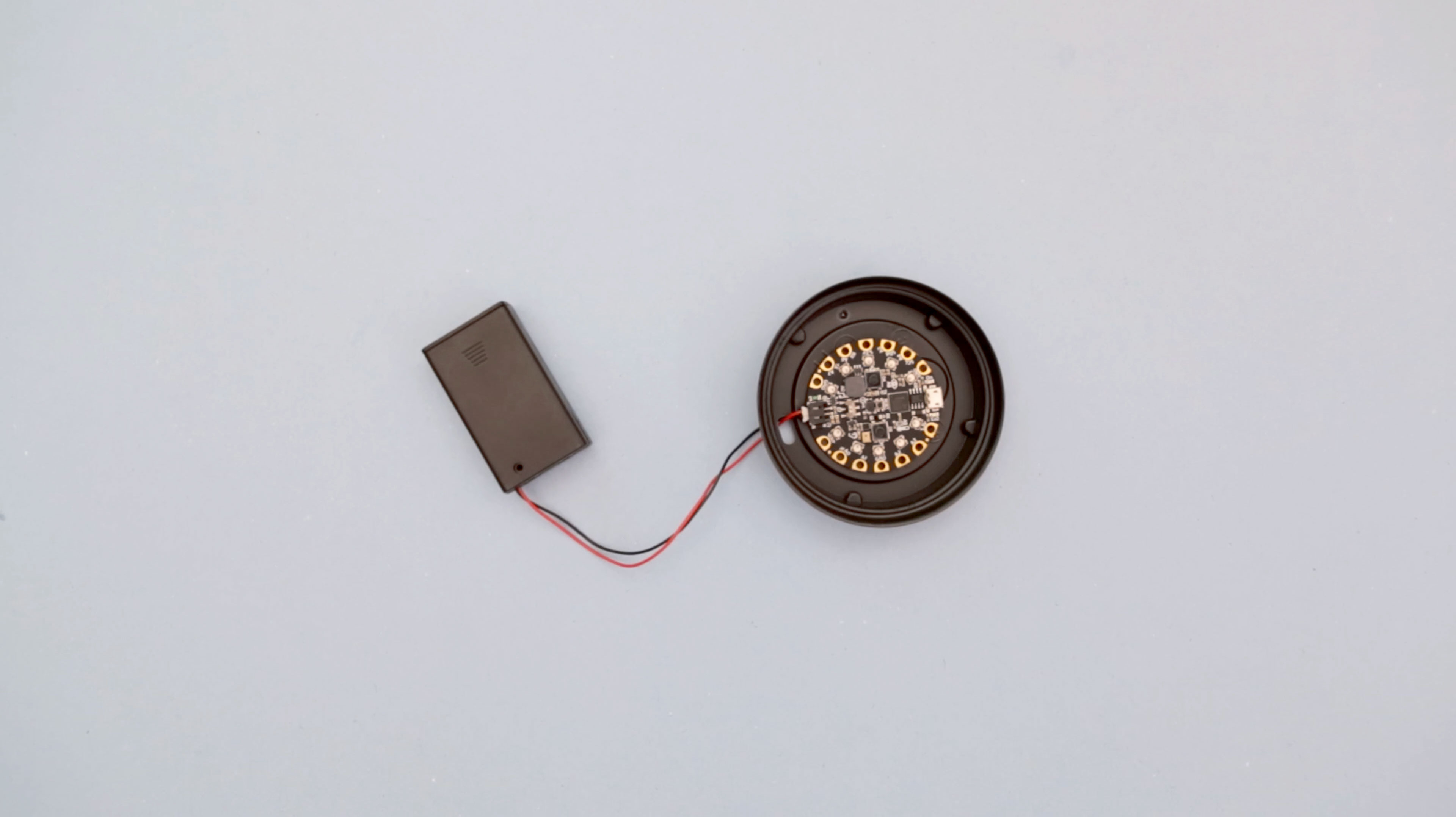 circuit_playground_lid-battery-attached.jpg