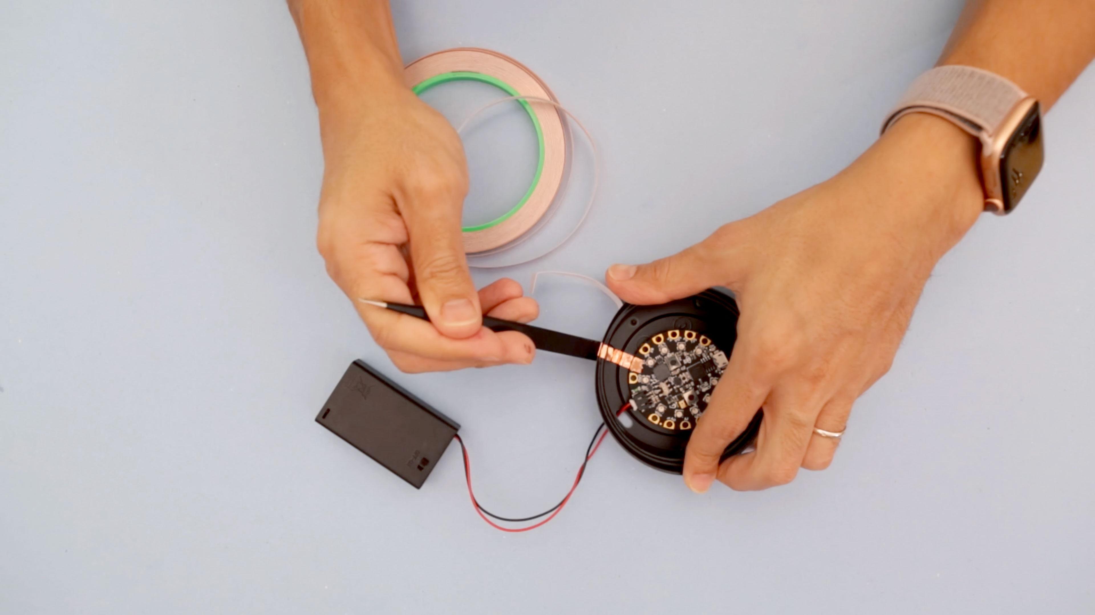 circuit_playground_lid-trace.jpg