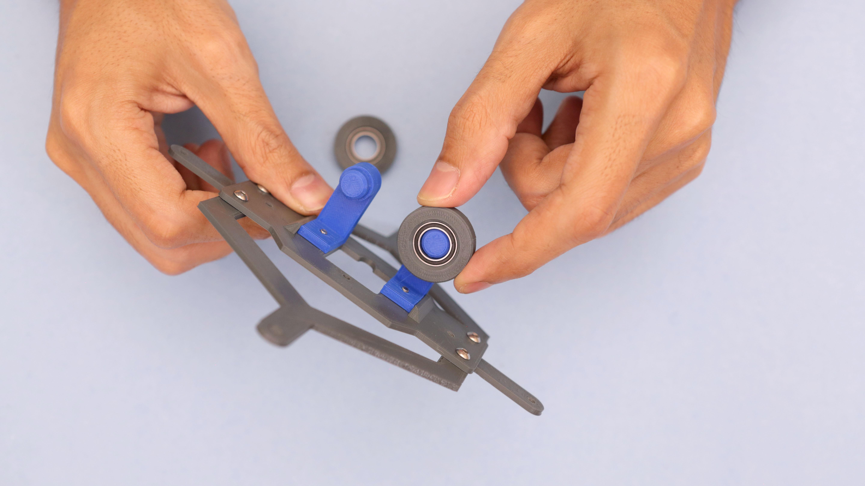 3d_printing_roller-bearings-installing.jpg