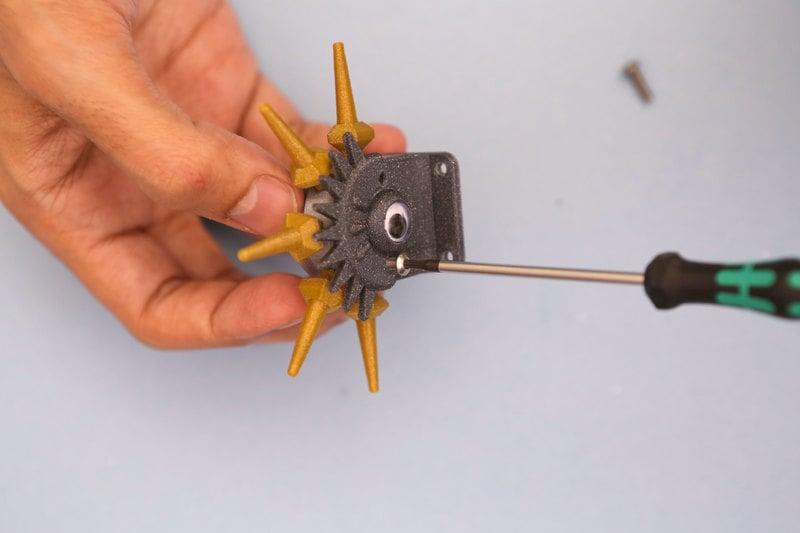 3d_printing_idler-adapter-screw-insert.jpg