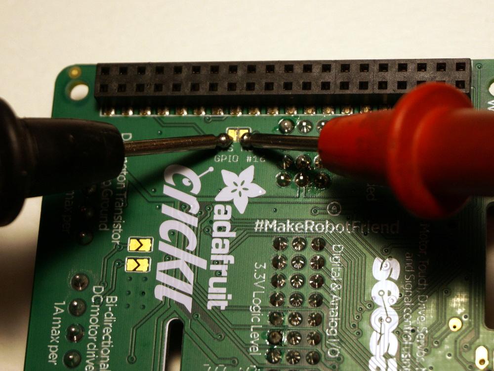 raspberry_pi_crickit_hat_cut_trace_2.jpg