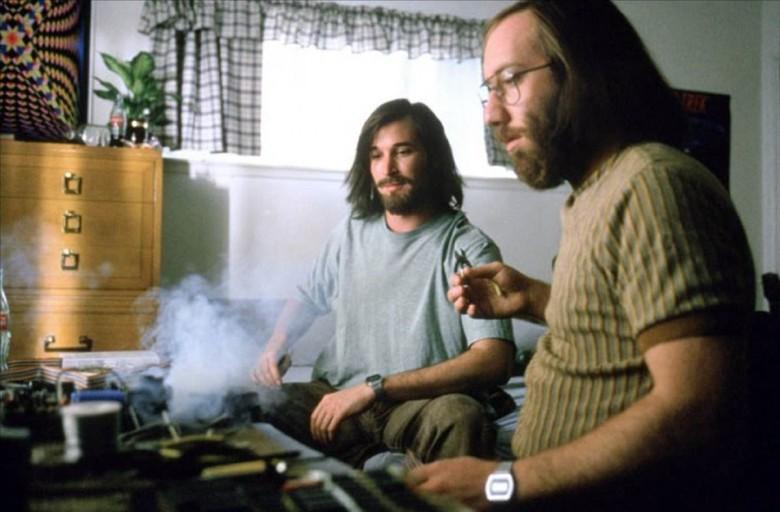 raspberry_pi_woz_lets_out_the_smoke.jpg