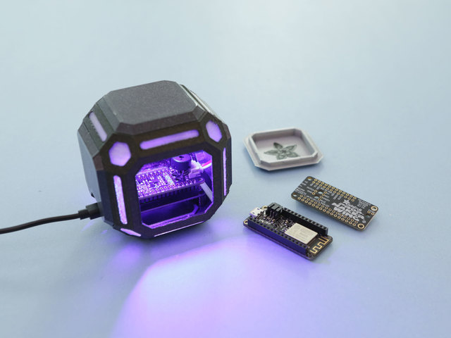 adafruit_io_hero-cube-feathers-2.jpg