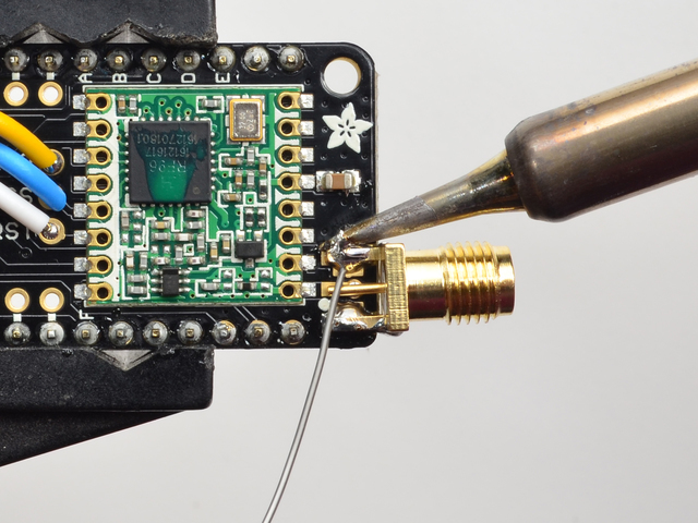 adafruit_products_feather_3-SMA_solder2.jpg