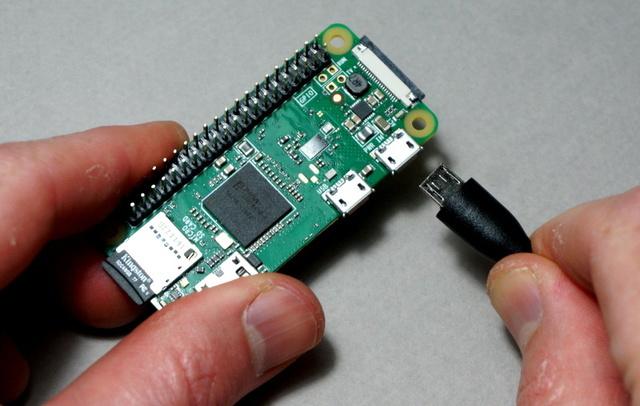 sensors_raspberry_pi_apply_power.jpg