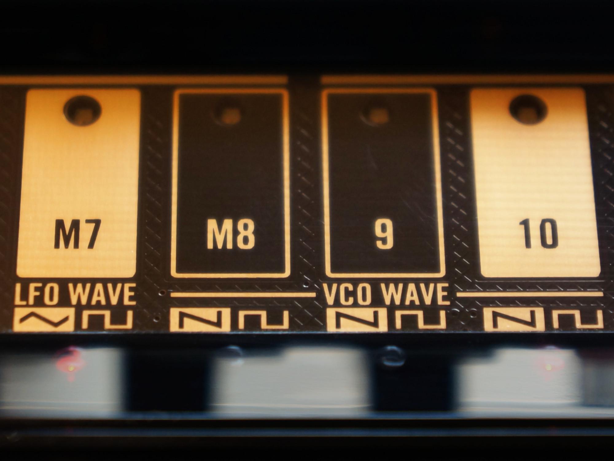 circuitpython_korg-volca-bass-waves-straight-2000.jpg