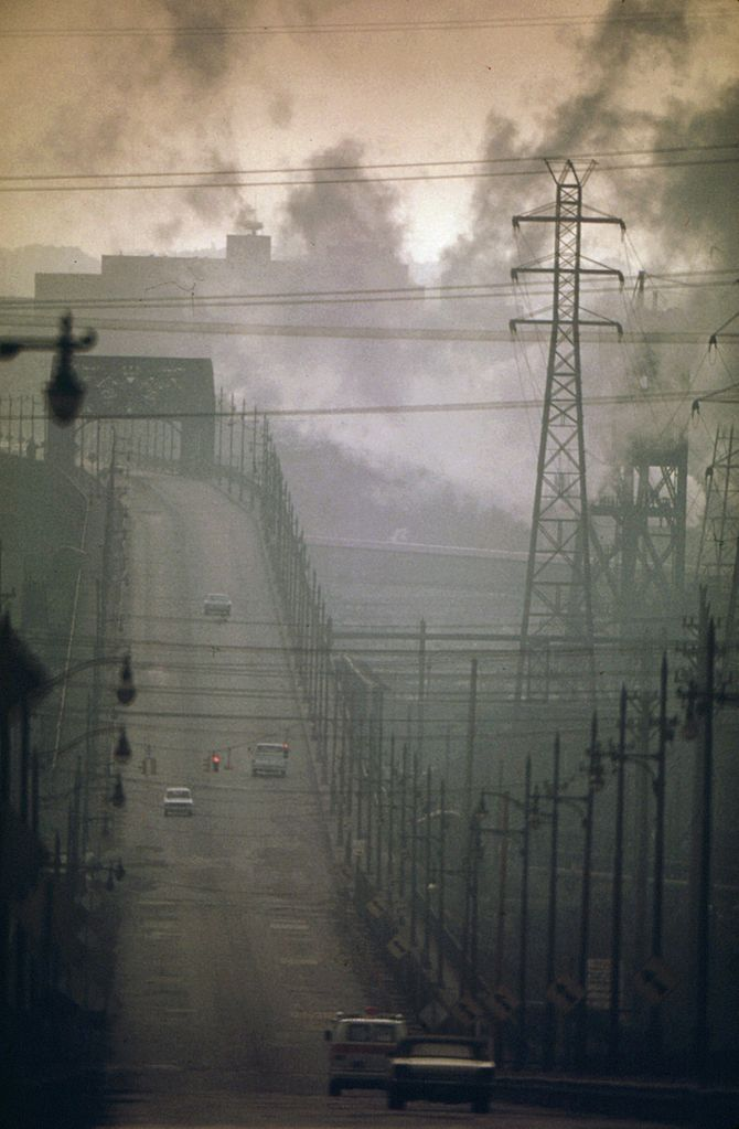 sensors_670px-DARK_CLOUDS_OF_FACTORY_SMOKE_OBSCURE_CLARK_AVENUE_BRIDGE_-_NARA_-_550179.jpg