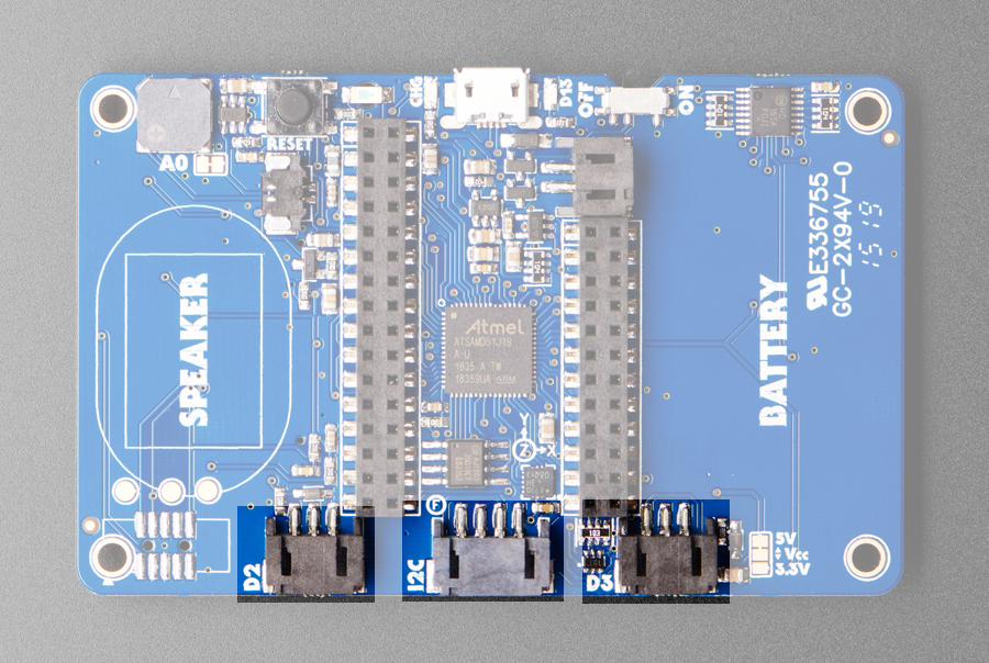 adafruit_products_PyBadge_Bottom_STEMMA_and_JST.jpg