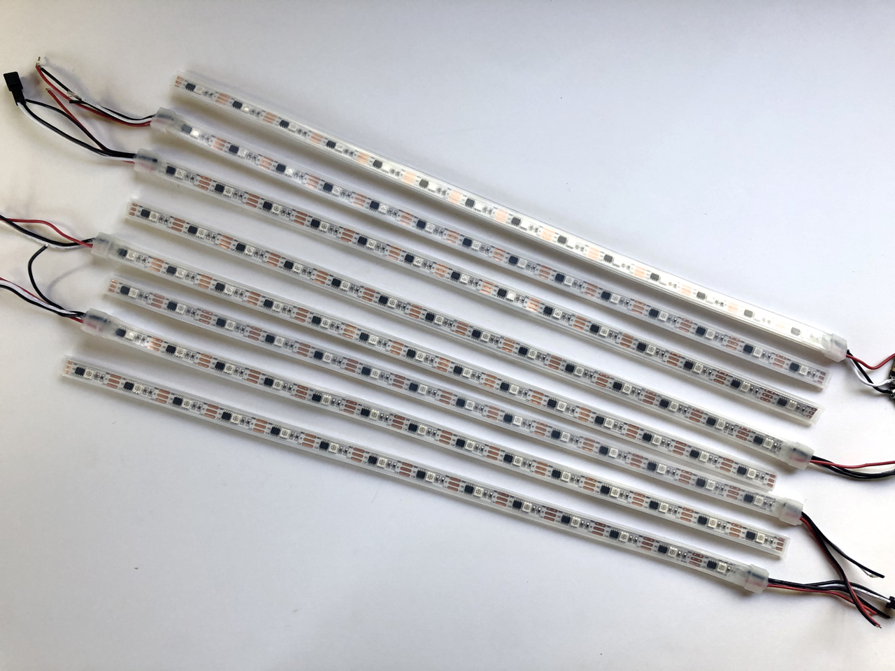 led_strips_01_cutstrips.jpg