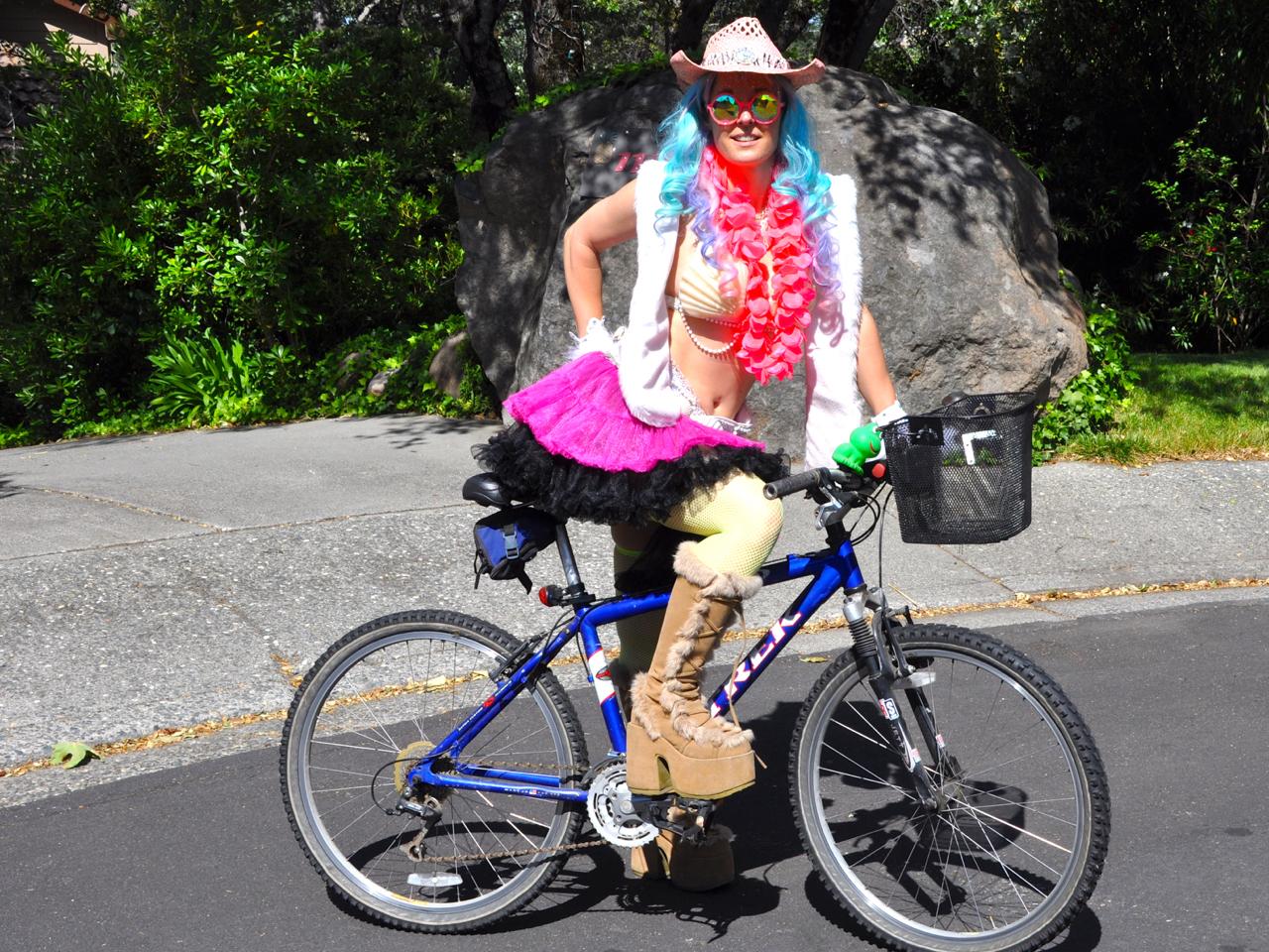 led_strips_burningman_bike2.jpg