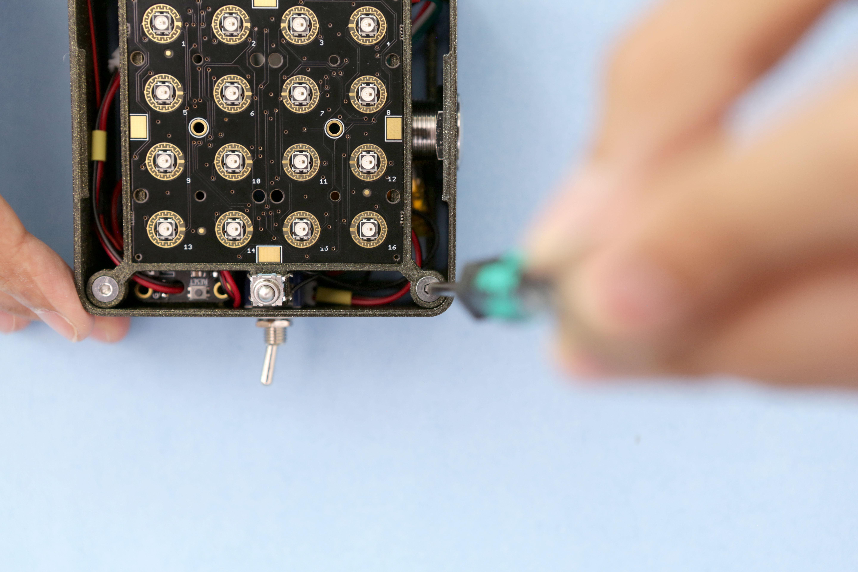3d_printing_tray-case-screw.jpg