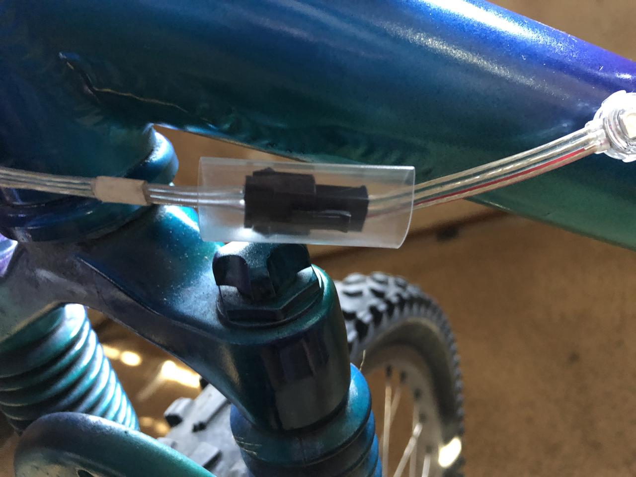 led_strips_frame_10_connectorshrink.jpg