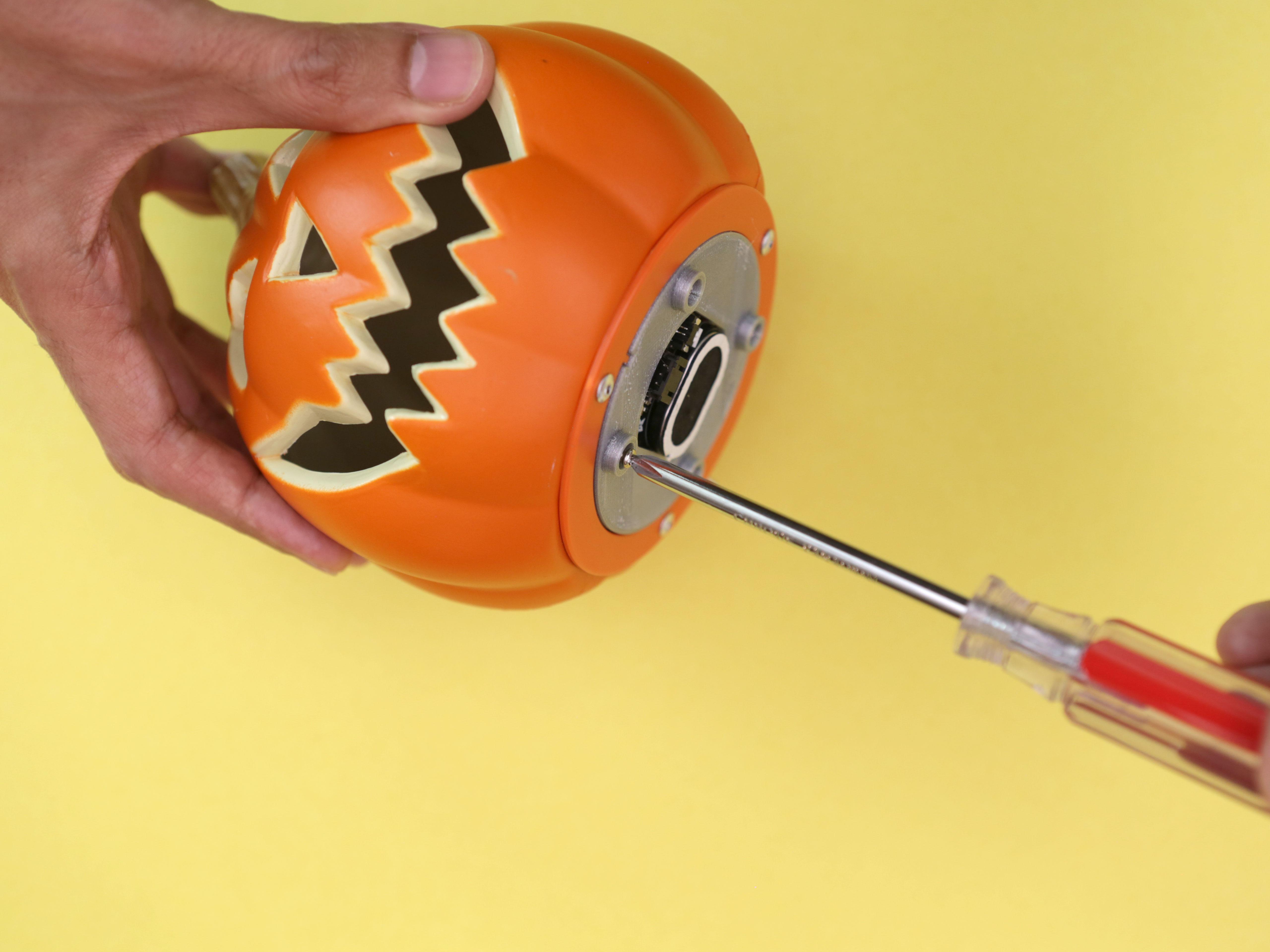 3d_printing_pumpkin-bottom-secure.jpg