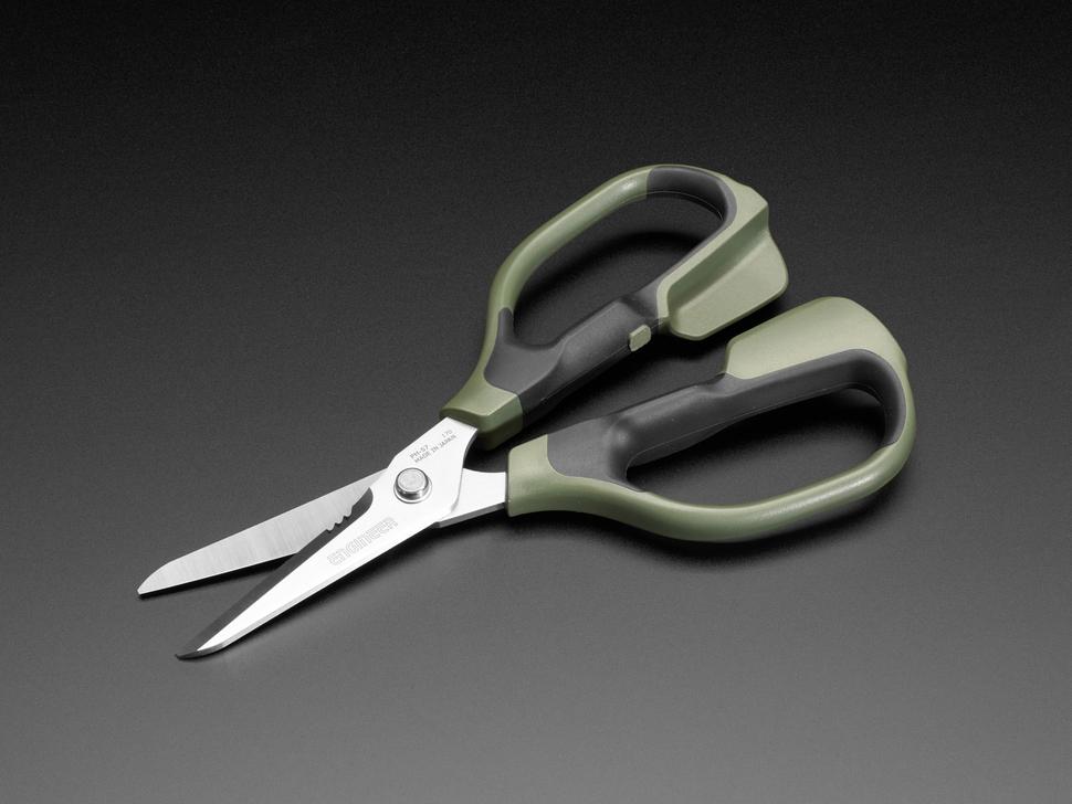 led_strips_scissors.jpg