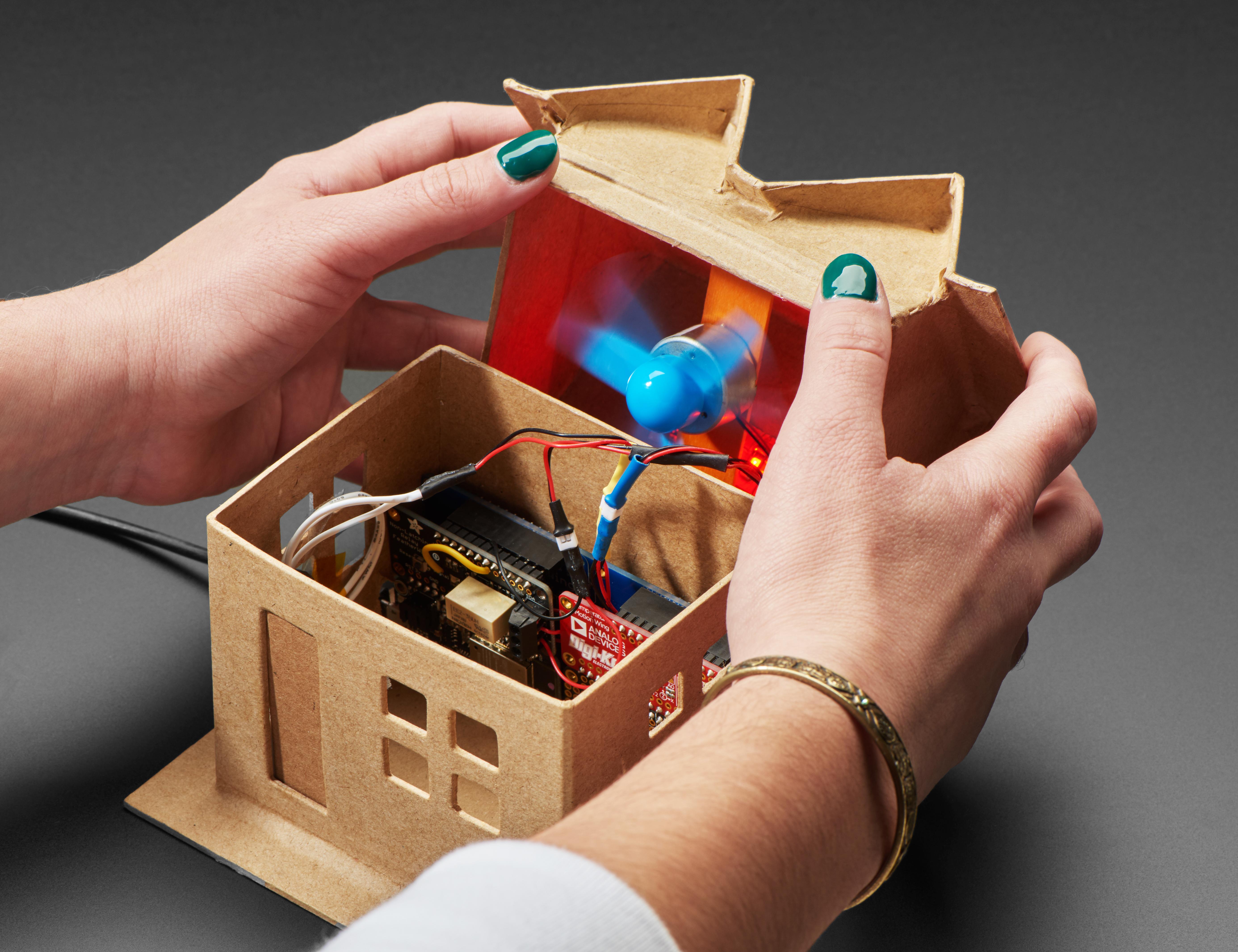 sensors_DigiKey_IoT_Home_Kit_open_ORIG_2019_12.jpg