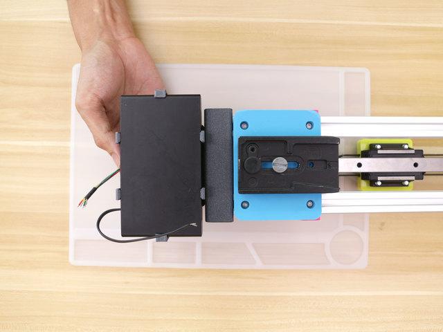 3d_printing_holder-battery-installing.jpg