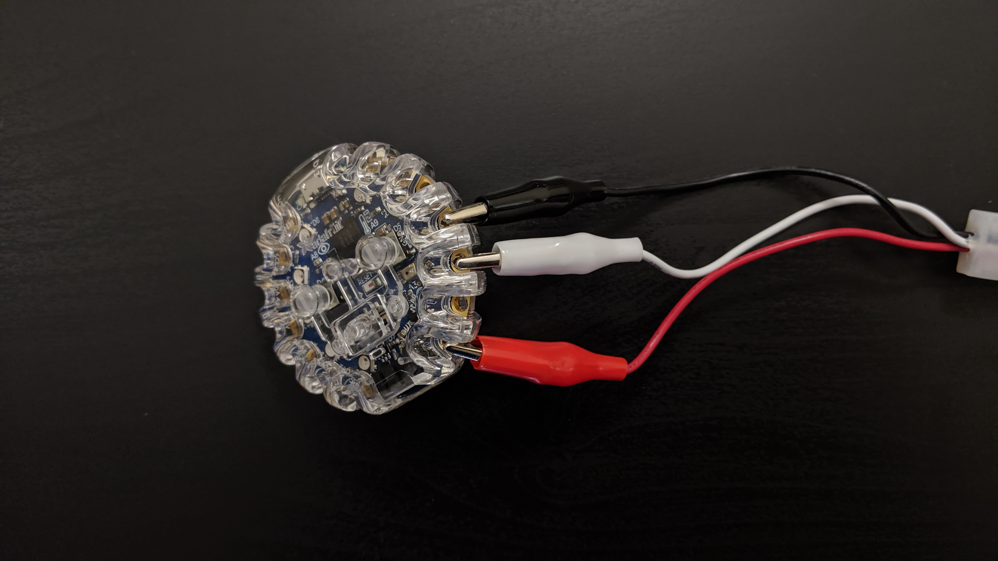 leds_CPB_NeoPIxel_Controller_single_strip_clipped_to_CPB.jpg