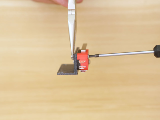 3d_printing_microsw-screw-install.jpg