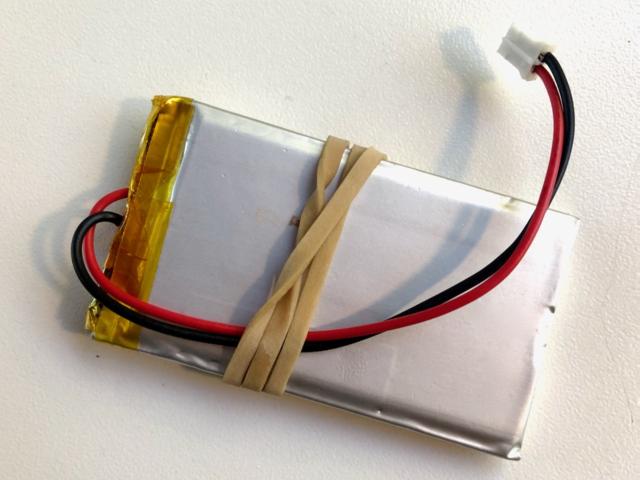 leds_battery_rubberband.jpeg