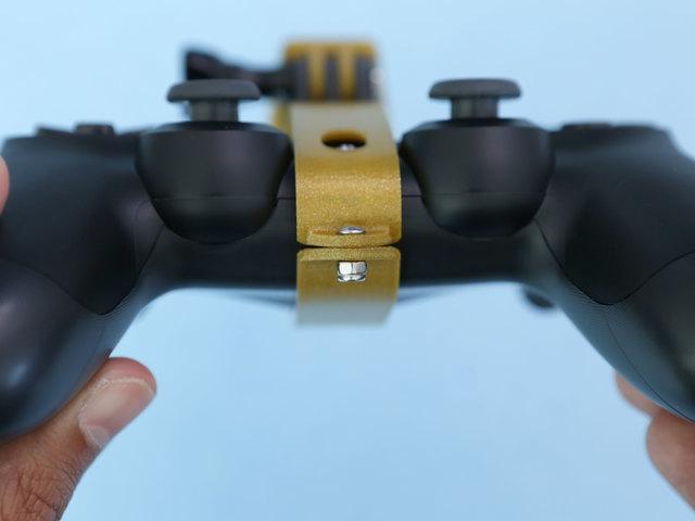 gaming_clamp-tab-secured.jpg