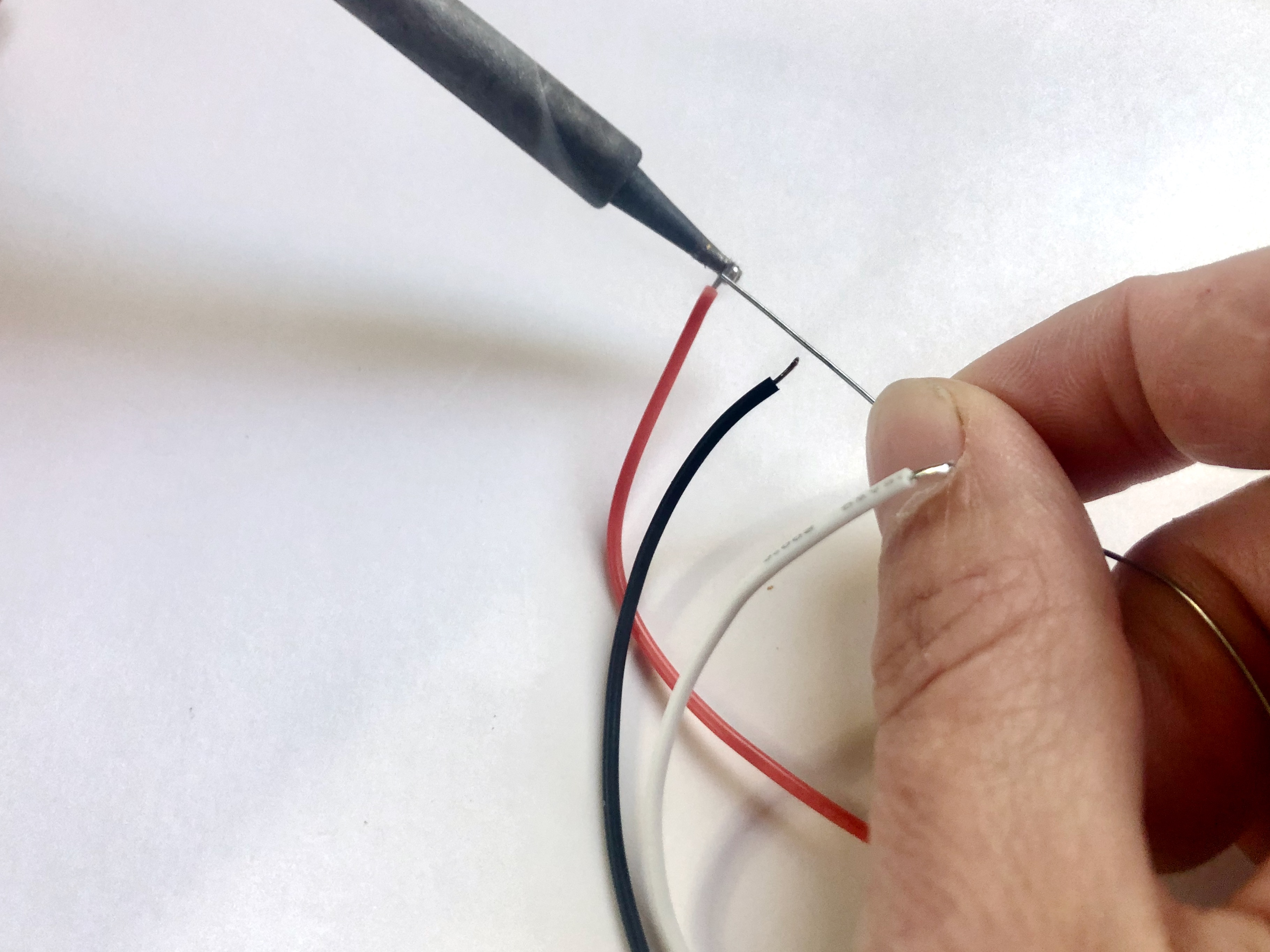 led_pixels_08_tin_wires.jpeg