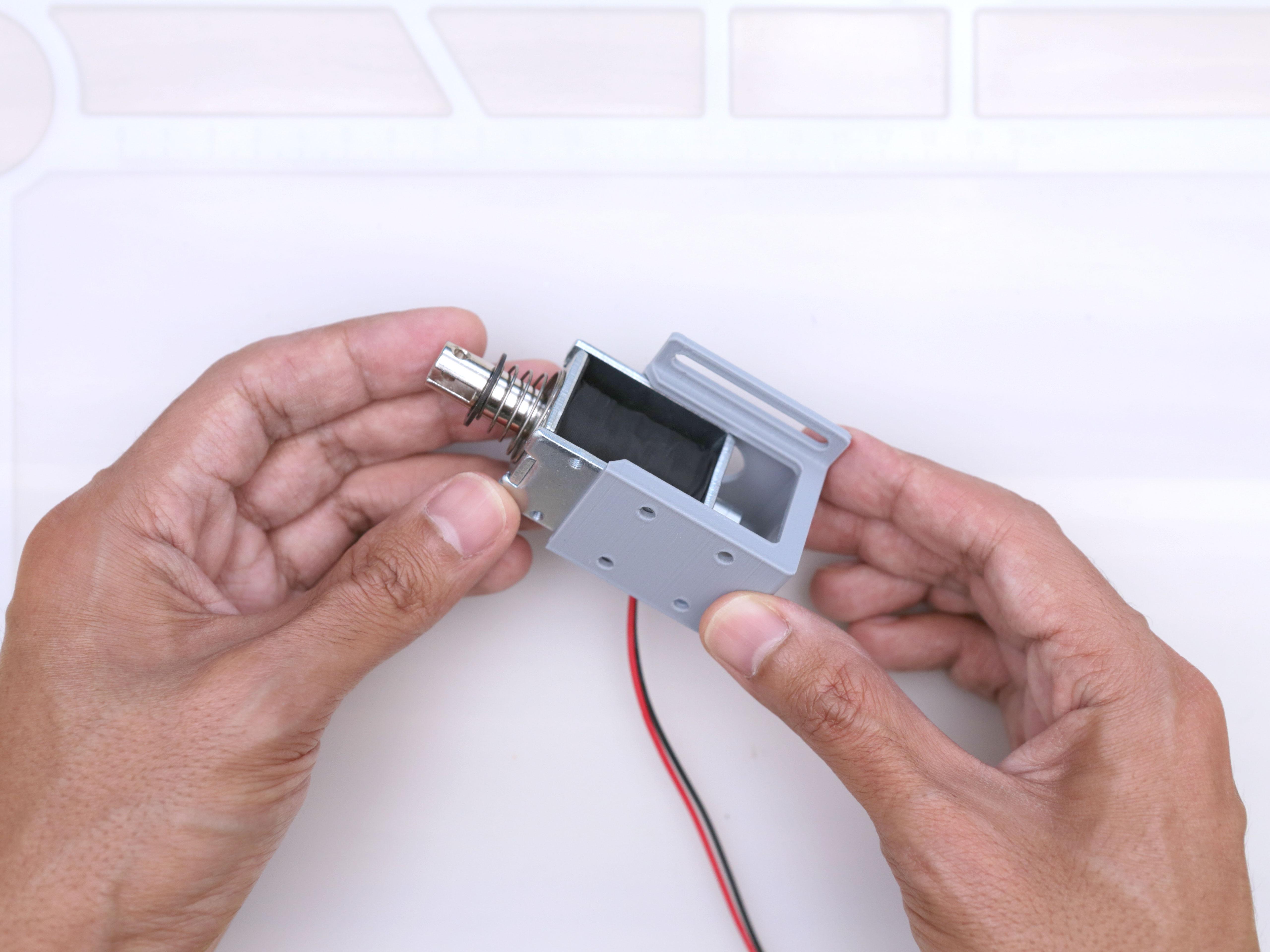 3d_printing_noid-holder-install.jpg