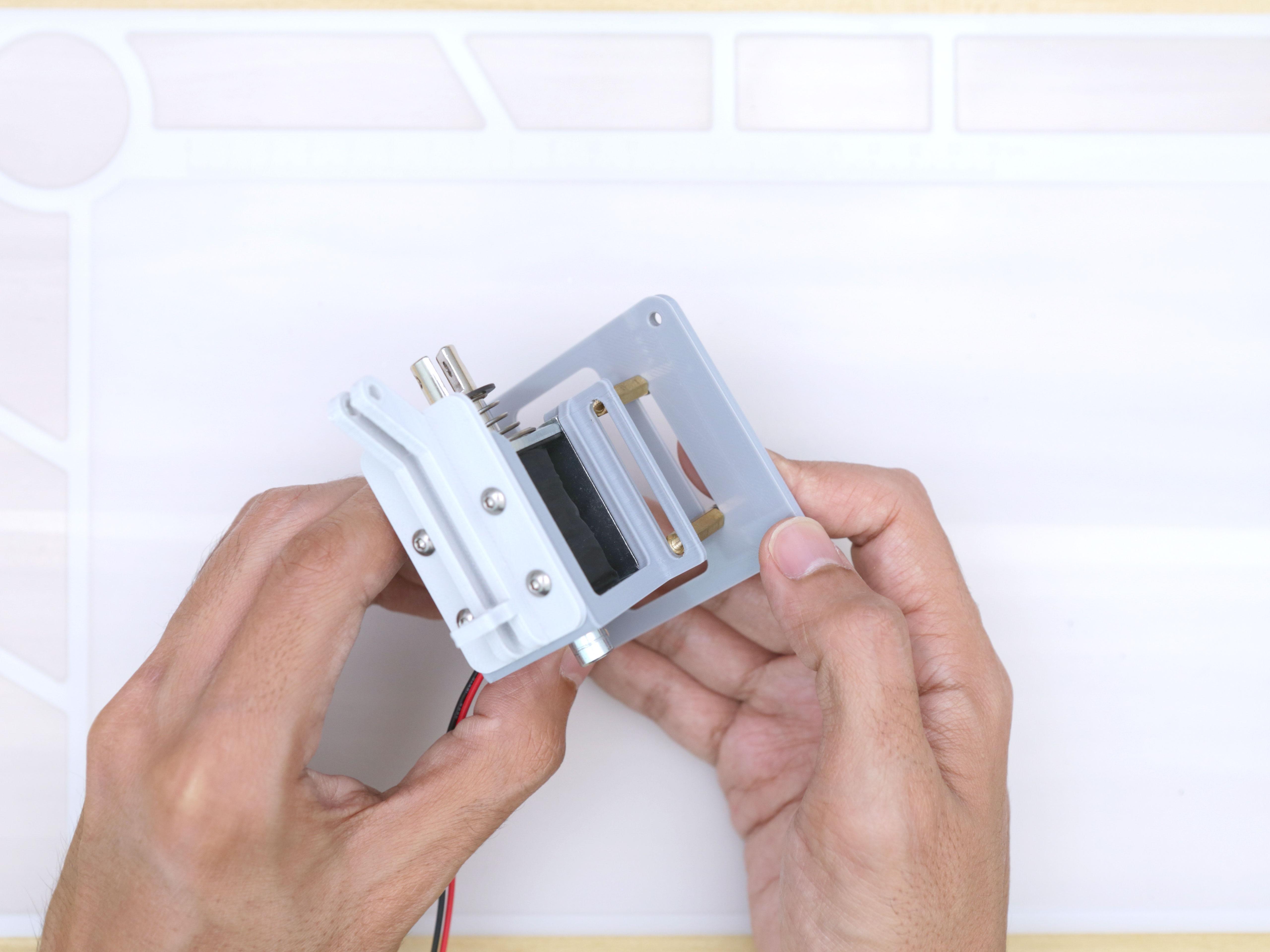 3d_printing_noid-holder-bottom-install.jpg