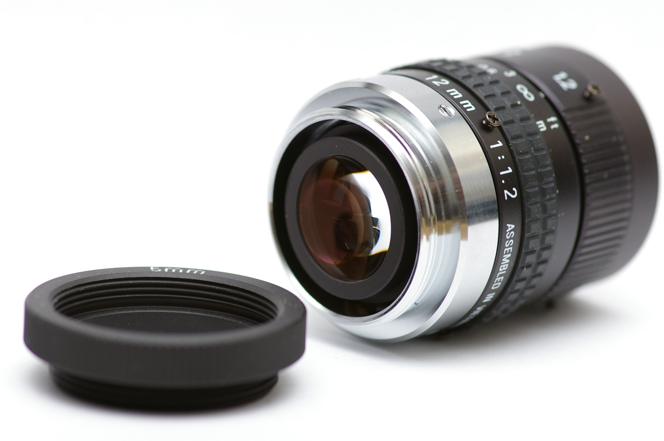 raspberry_pi_C_mount_lens_Pentax_12mm_f1.2.jpg
