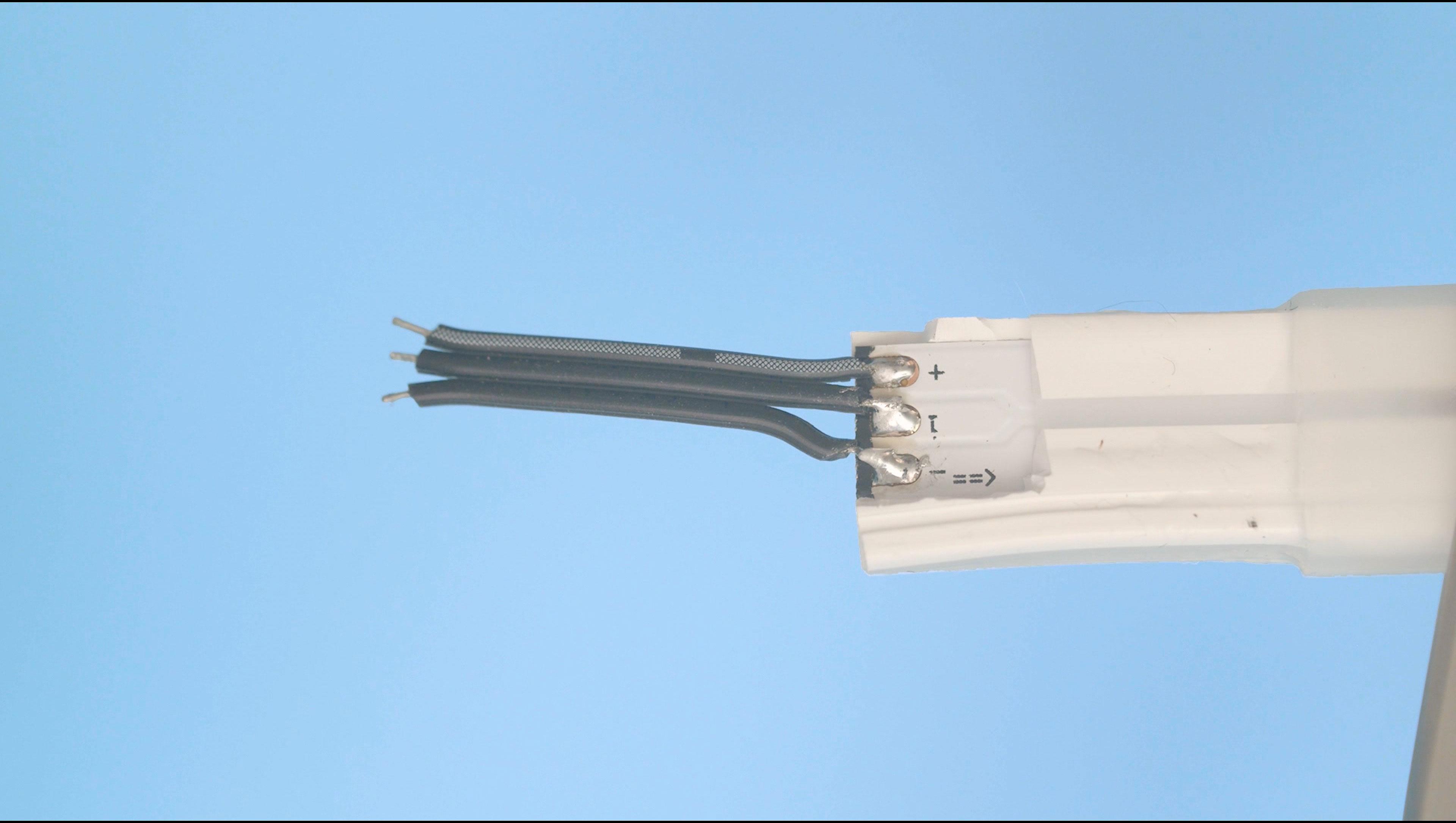 leds_strip-wires.jpg