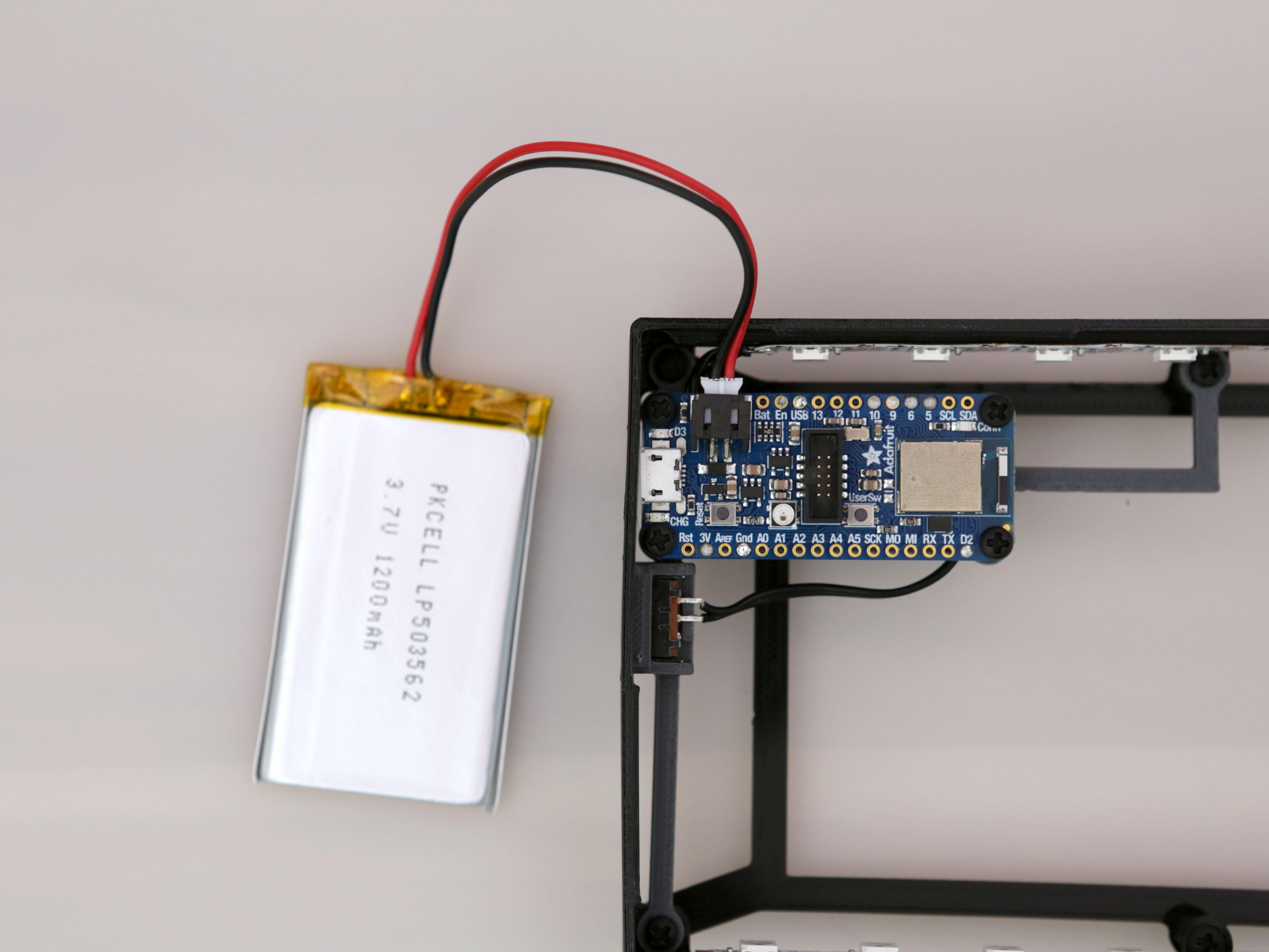 led_strips_battery-plug.jpg