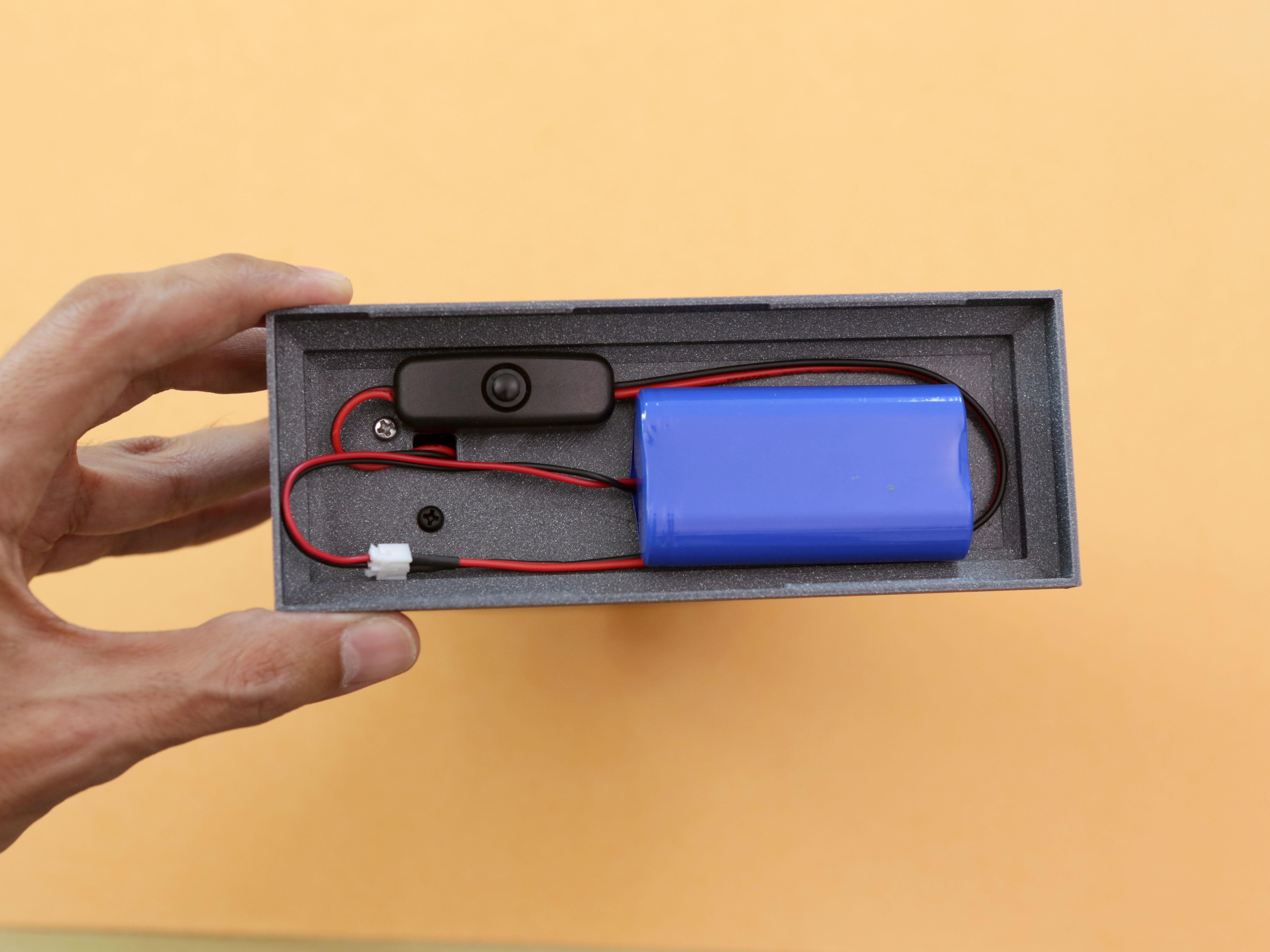 led_strips_base-battery-fitting.jpg
